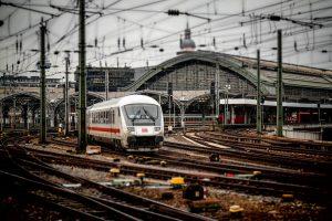 Op zoek naar een vacature treinschoonmaker Arnhem?