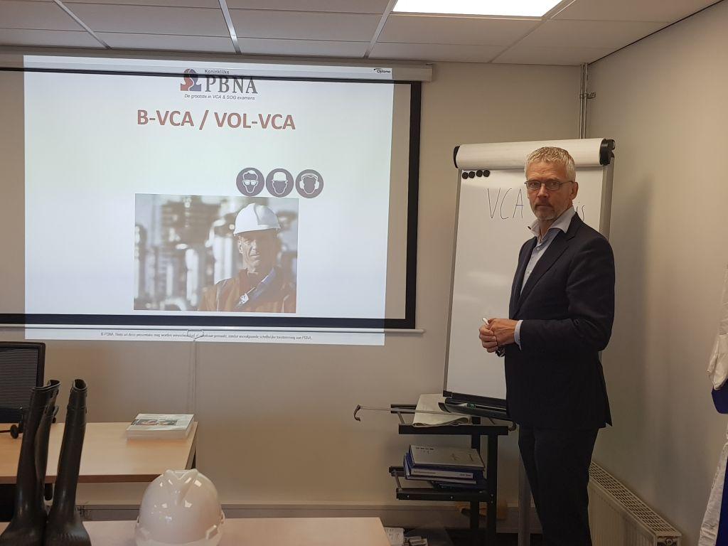 Frans geeft VCA les